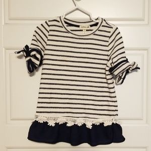 ADORABLE striped top with tie sleeves